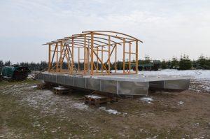 Das neue Floß (Driftholt II) - Das Grundgerüst des Häuschens ist fertig.