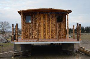 Frontansicht des Hausboots Driftholt II