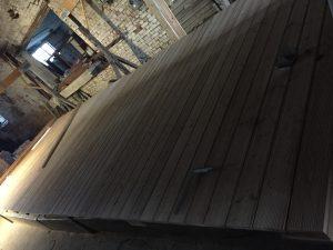 neues Deck auf dem Floß