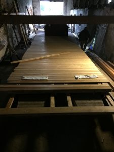neues Deck auf dem Hausboot