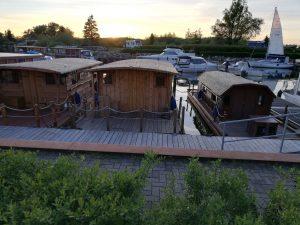 Alle 3 Hausboote nebeneinander